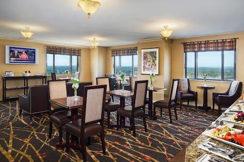 . Sheraton Springfield Monarch Place Hotel