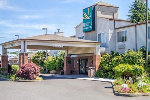 . Quality Inn & Suites Longview Kelso