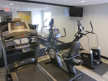 Baymont by Wyndham Louisville East - Fitness Facility  - #0
