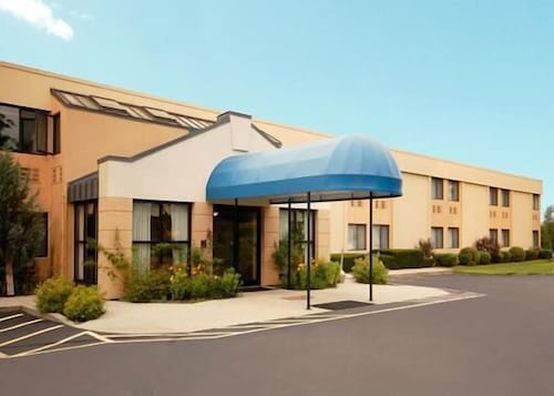All Seasons Inn & Suites, Providence