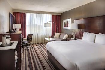 Guestroom at DoubleTree by Hilton Hotel Largo-Washington DC in Upper Marlboro
