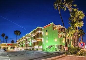 杭廷頓海灘凱富套房飯店 Comfort Inn & Suites Huntington Beach