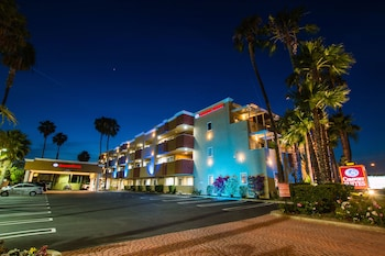 Hotel - Comfort Inn & Suites Huntington Beach