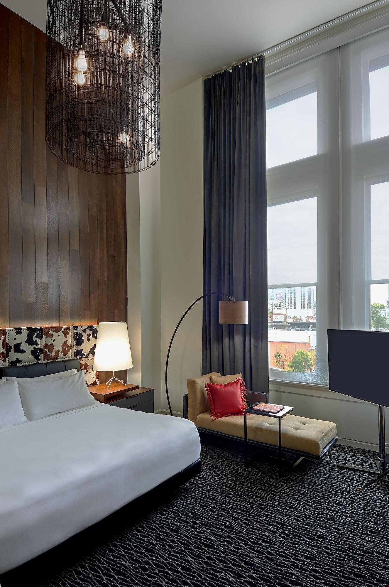 Room (5th Floor)