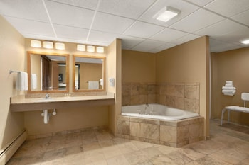 Montana Vacations - Days Inn by Wyndham Helena - Property Image 1