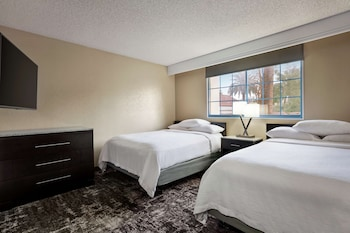 Suite, 2 Queen Beds, Accessible, Bathtub (Hearing Access)