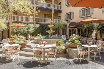 科斯塔梅薩山/紐波特比奇艾爾斯套房飯店 Ayres Hotel & Suites Costa Mesa/Newport Beach