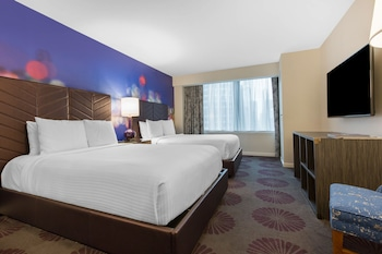 Deluxe Room, Multiple Beds (Plaza)
