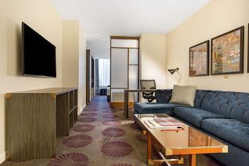 Suite, Multiple Beds, Accessible (Saint Clair)