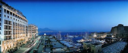 __{offers.Best_flights}__ Grand Hotel Vesuvio