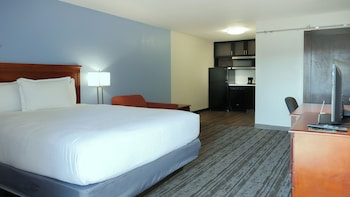 Suite, 1 Queen Bed, Non Smoking, Kitchenette