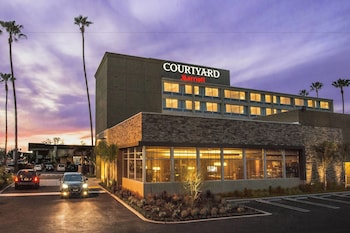 伍德蘭山時代華納中心假日飯店 Courtyard by Marriott Los Angeles Woodland Hills