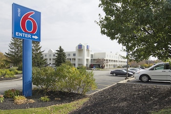 Hotel - Motel 6 Cleveland-Willoughby