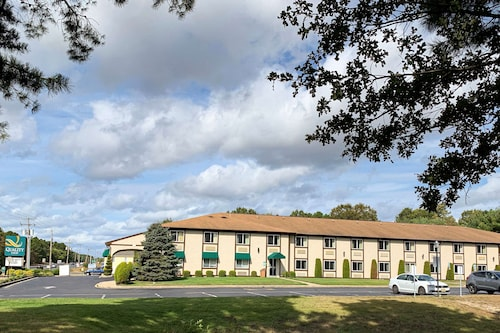 . Quality Inn near Toms River Corporate Park