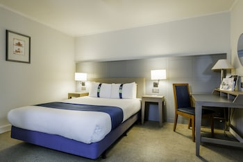 Holiday Inn® Milton Keynes