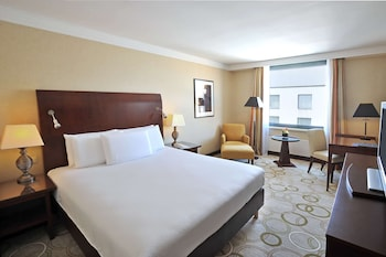 Suite, 1 King Bed, City View (Governor)