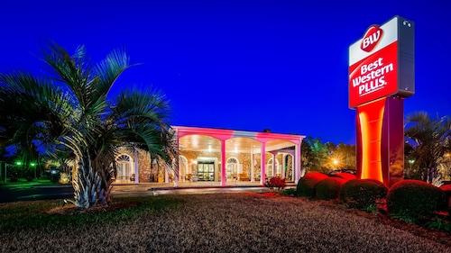 . Best Western Plus Santee Inn