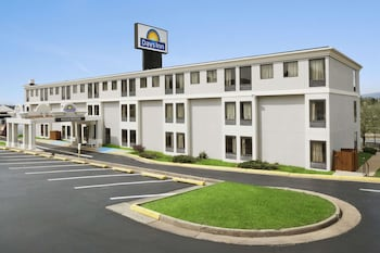 Days Inn by Wyndham Harrisonburg