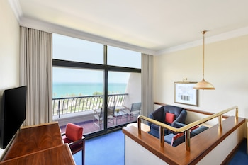 Deluxe Room, 2 Twin Beds, Balcony, Resort Sea View (Club Lounge Access)