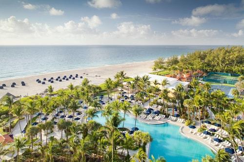 . Fort Lauderdale Marriott Harbor Beach Resort & Spa