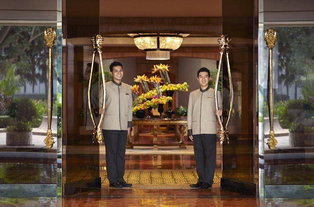 Regent Singapore (SG Clean), Featured Image