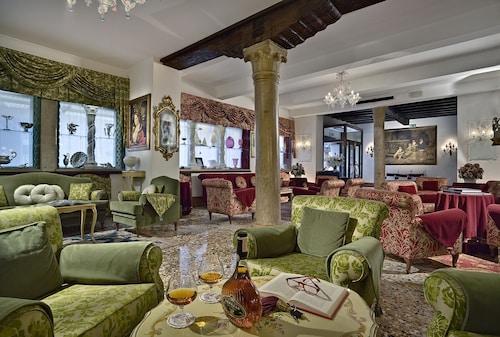 . Hotel Giorgione