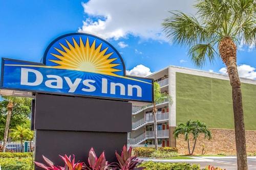. Days Inn by Wyndham Fort Lauderdale Airport Cruise Port