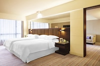 Deluxe Suite, 2 Double Beds, Corner