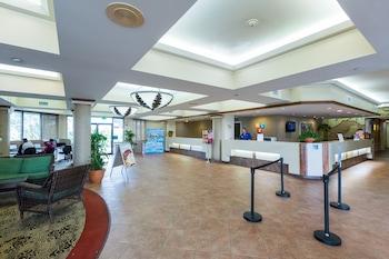 Lobby at Maingate Lakeside Resort in Kissimmee