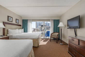 Suite, 2 Queen Beds (Side Ocean View)