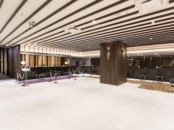 SUNSHINE CITY PRINCE HOTEL Interior Entrance