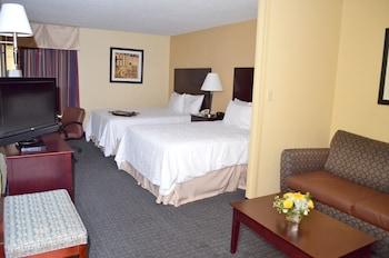Suite, Two Queen Beds, Non-Smoking (1 bedroom)