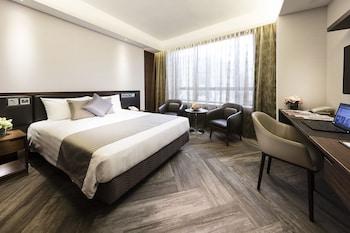 Deluxe Plus Queen Room