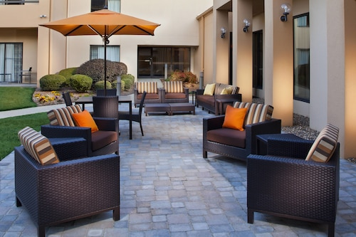 . Courtyard by Marriott Little Rock West