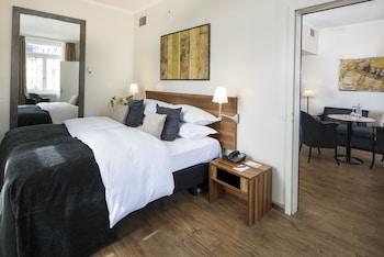 Suite, River View