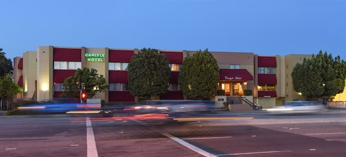Carlyle Hotel, Santa Clara