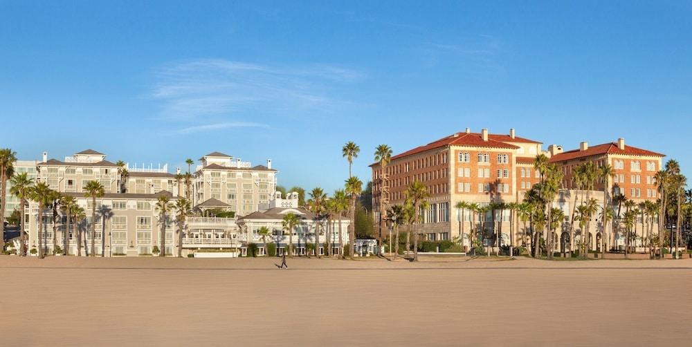 https://i.travelapi.com/hotels/1000000/30000/22200/22125/0099f4fd_z.jpg
