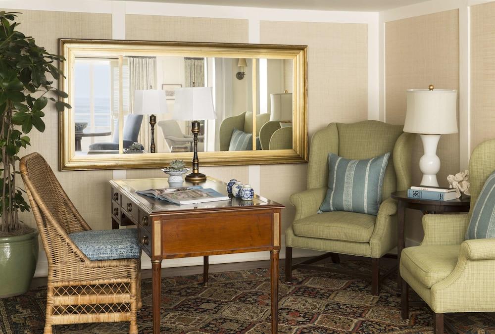 https://i.travelapi.com/hotels/1000000/30000/22200/22125/76ee1ade_z.jpg