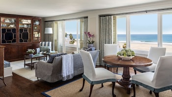 Suite, View (Pacific View)