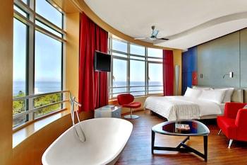 Suite, 1 Bedroom, Non Smoking, Partial Sea View