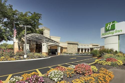 . Holiday Inn Westbury - Long Island, an IHG Hotel