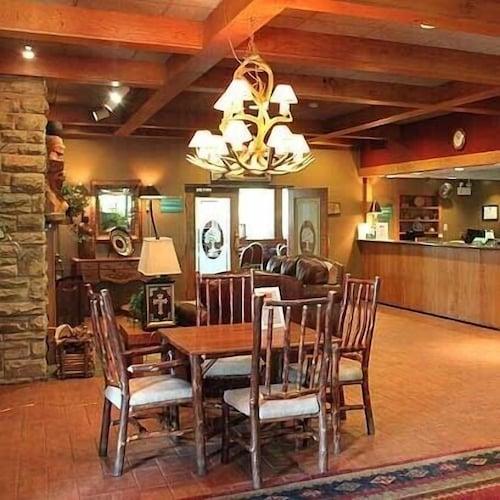 . Chestnut Tree Inn Cherokee