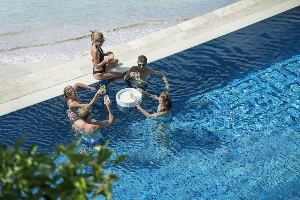 フォーシーズンズ リゾート バリ アット ジンバラン ベイ