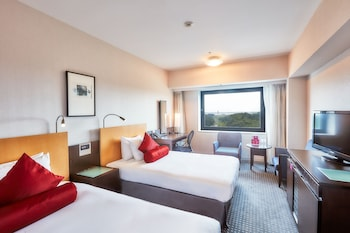 Deluxe Room, 2 Twin Beds, Non Smoking (Airport Side)