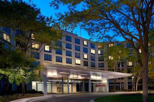 . Chicago Marriott Naperville