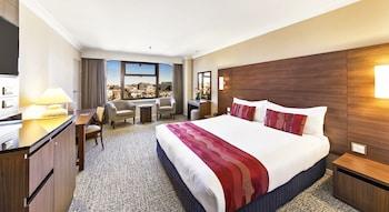 Guestroom at The Sydney Boulevard Hotel in Woolloomooloo