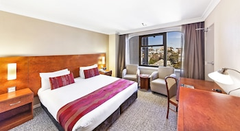 Standard Room, 1 King Bed, City View