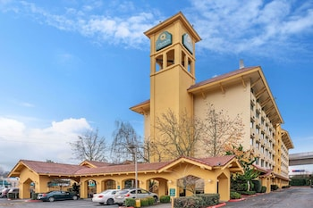 西雅圖國際機場溫德姆拉昆塔套房飯店 La Quinta Inn & Suites by Wyndham Seattle Sea-Tac Airport