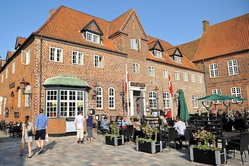 . Hotel Dagmar