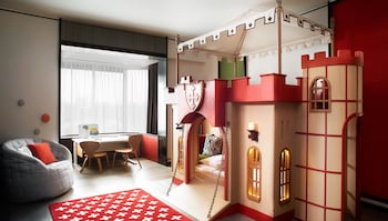 Family Suite (Themed)